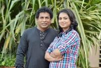স্ত্রী'কে নিয়ে বাড়ি ছেড়ে চলে যাচ্ছেন মোশাররফ করিম