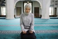 হিজাব পরে আমি অন্যরকম অনুভূতি পেয়েছি : অমুসলিম অভিনেত্রী