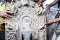 ২ কোটি টাকা মূল্যর কষ্টি পাথরের মুর্তি উদ্ধার