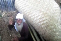 কবরে টানা তিনদিন জিন্দাবাবা, 'আল্লাহর নাম নিলে আগুনেও থাকা যায়'