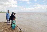 'হে আল্লাহ, আমাগোরে বিপদ থেইকা রক্ষা কর'
