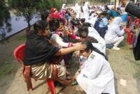 সৈয়দপুরে মায়েদের পা ধুয়ে আর্শিবাদ নিলেন শিক্ষার্থীরা