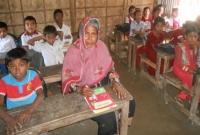 ৬৫ বছর বয়সেও স্কুলছাত্রী নুরজাহান, ক্লাস করেন নাতি-নাতনিদের সঙ্গে