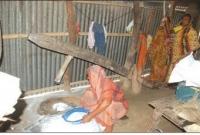 ভোলা থেকে হারিয়ে যাচ্ছে গ্রাম বাংলার ঐতিহ্যের কাঠের ঢেঁকি