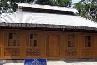 দক্ষিণ-পূর্ব এশিয়ায় অনন্য নিদর্শন, ১৯১৩ সালে পিরোজপুরে কাঠের তৈরি দৃষ্টিনন্দন মমিন মসজিদ