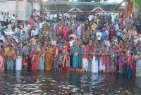 ঝড়-বৃষ্টি-উপেক্ষা-করেই-মধ্যরাতে-লাঙ্গলবন্দে-হাজারো-পুণ্যার্থী