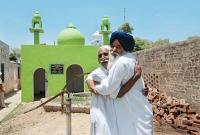 এবার-ভারতে-মসজিদ-নির্মাণ-করলেন-শিখ-হিন্দুরা