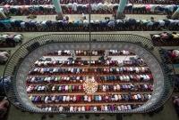 চূড়ান্ত ফলাফল: বায়তুল মোকাররমে জুমার নামাজ আদায়ের এই ছবিটি বিশ্বের শীর্ষ ১০ ছবির একটি