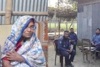 বিচারকের-গ্রামের-বাড়িতে-কঠোর-নিরাপত্তা-রায়-নিয়ে-যা-বললেন-বিচারকের-গর্বিত-মা