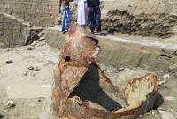 পুকুর খননের সময় ২শ' বছরের পুরানো এক বিশাল জাহাজের সন্ধান