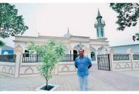 আড়াই-কোটি-টাকায়-তৈরি-মসজিদ-মুসলিম-কর্মীদের-উপহার-দিলেন-খ্রিস্টান-ব্যবসায়ী