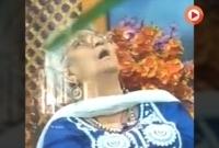 টিভিতে-লাইভ-সম্প্রচারের-মধ্যেই-মৃত্যুর-কোলে-ঢলে-পড়লেন-ইনি--ভিডিয়ো-ভাইরাল