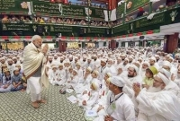 মুসলিম ভোট টানতে মহরমের অনুষ্ঠানে মোদি