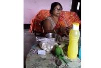 ওষুধ-খাইয়ে-সারিয়ে-তোলা-সেই-মানুষটির-ঘরে-প্রতিদিন-আসছে-টিয়া-পাখিটি-
