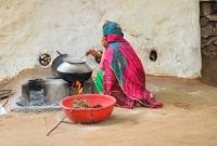 স্ত্রী-রান্নায়-দেরি-করায়-স্বামী-যা-করলেন-তা-এককথায়-নির্মম-