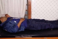 গাইবান্ধায়-ইউপি-চেয়ারম্যানকে-বাঁচাতে-গিয়ে-জনতার-রোষানলে-পুলিশ