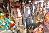 হঠাৎ-গাড়ি-থামিয়ে-রাস্তার-পাশের-টং-দোকানে-চা-খেলেন-প্রতিমন্ত্রী-চুমকি