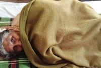 কোরআন পড়ার সময় টিনে শব্দ করার প্রতিবাদ করায় ৮০ বছরের বৃদ্ধাকে বাঁশ দিয়ে পেটালেন প্রতিবেশী
