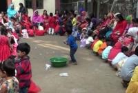 মায়ের-পা-ধুয়ে-ভালবাসা-দিবস-উদযাপন-করলো-স্কুল-শিক্ষার্থীরা
