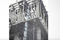 ১১-হাজার-ভোল্টের-বিদ্যুৎ-লাইনের-খুঁটিসহ-ভবন-নির্মাণ-