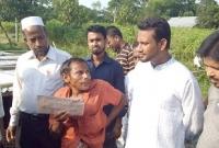 রাব্বানীর-ঘোষণার-পর-সেই-প্রতিবন্ধী-খামারিকে-২০০-হাঁস-দিলেন-ছাত্রলীগ-নেতা