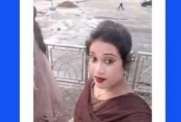 প্রবাসী-স্বামীকে-রেখে-পরকীয়া-প্রেমের-টানে-আরেক-যুবকের-সাথে