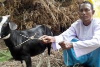 প্রধানমন্ত্রীর-দীর্ঘায়ু-কামনা-করে-খাসি-কোরবানি-দিলেন-আকন্দ
