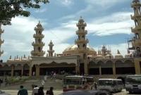 বাংলাদেশে-১০০-কোটি-টাকা-ব্যয়ে-১৫-বিঘা-জমিতে-নির্মিত-হলো-দক্ষিণ-এশিয়ার-সর্বোচ্চ-মসজিদ
