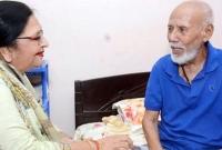এটিএম-শামসুজ্জামানকে-দেখতে-পাকিস্তান-থেকে-বাংলাদেশে-অভিনেত্রী-শবনম
