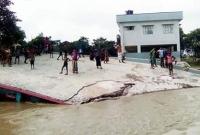 রাজশাহীতে-পদ্মার-ভা-ঙনে-নদীগর্ভে-স্কুল
