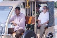 অটোরিকশায়-চড়ে-নির্মাণাধীন-সড়ক-পরিদর্শন-করলেন-রাষ্ট্রপতি-আবদুল-হামিদ