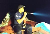 গভীর-রাতে-নদী-পাহারায়-পুলিশ-সুপার-নিজেই