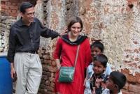 নোবেল-জিতলেও-অভিজিতের--স্ত্রী--পরিচয়-প্রাধান্য-পাওয়ায়-সমালোচিত-ভারতীয়-গণমাধ্যম
