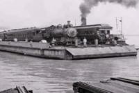 ১৯৩৮-সালে-দেশে-ফেরীতে-পার-হতো-ট্রেন