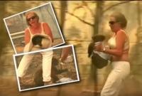 নিজের-টি-শার্ট-খুলে-আগুনে-ঝাঁপিয়ে-ছোট্ট-বন্যপ্রাণীটিকে-বাঁচালেন-মহিলা