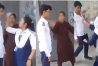 উত্ত্যক্ত-করায়-সহপাঠী-ছাত্রকে-মা-রধ-র-করল-ছাত্রীরা