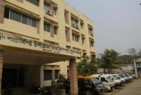 করোনা-সন্দে-হে-বরগুনা-হাসপাতাল-থেকে-পালাল-রো-গী-হ-ন্যে-হয়ে-খুঁ-জছে-পুলিশ
