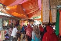 ২৩-করোনা-আক্রা-ন্ত-গেছেন-ঈদের-কেনাকাটা-করতে-এলাকাজুড়ে-আত-ঙ্ক
