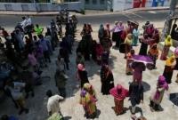 সুপার সাইক্লোন আম্ফান; আশ্রয়কেন্দ্রে ছুঁটছে আত'ঙ্কিত মানুষ