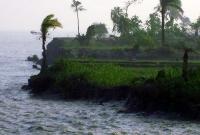 আম্ফানের-প্রভাবে-প্রচণ্ড-ঢেউয়ে-সুন্দরবন-উপকূলে-ব্যাপক-নদী-ভাঙন-শুরু