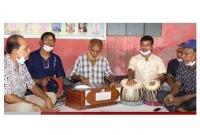 কুষ্টিয়ার-এক-ট্রাকচালকের-বি-স্ময়কর-প্রতিভা-মান্না-দে'র-মতো-গাইতে-পারেন-সব-গান