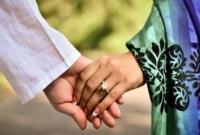 অফিস-সহকারীর-স্ত্রীকে-নিয়ে-প্রধান-শিক্ষক-উধাও