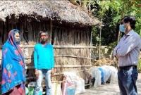 ১৫-বছর-ধরে-পরিবার-পরিজন-নিয়ে-ভ্যানচালকের-কবরস্থানে-বসবাস