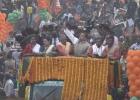 কলকাতায়-বিজেপির-রোড-শোয়ে-তুমুল-বিশৃঙ্খলা-মিছিলে-ইট-পাটকেল-নিক্ষেপ