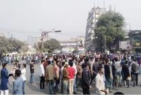 নীলক্ষেত-মোড়-অবরোধ-৭-কলেজ-শিক্ষার্থীদের-যান-চলাচল-বন্ধ